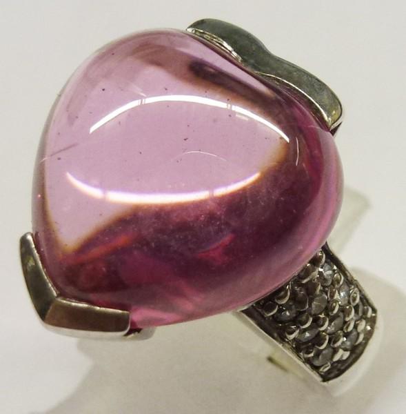 Silberring in Größe 16,2 mm aus echtem Silber Sterlingsilber 925-, besetzt mit 18 wunderschön funkelnden Zirkonia und einem synthetischen Stein. Der Ring hat eine gleichbleibende Ringschiene und ist hochglanzpoliert, was ihn noch edler wirken lässt. Ein t