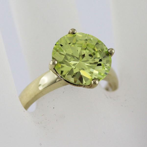 Ring Gelbgold 333 grüner Zirkonia im Br...