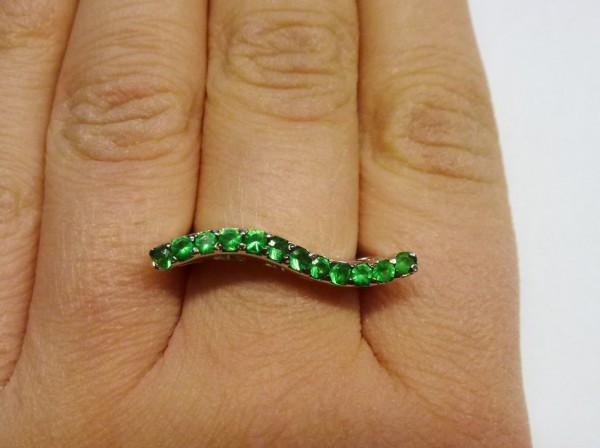 Ring in Silber Sterlingsilber 925/- mit 12 grünen Zirkonia