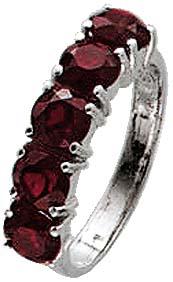 Ring aus echtem Silber Sterlingsilber, mit aus Granat funkelnden Steinen, bei gleichbleibender Ringschiene. Ring ca. 4,9mm breit. In den Größen 17-20mm erhältlich. Der Hitpreis aus Stuttgart! Die Nr.1 für Gold, Silber und Edelsteine.