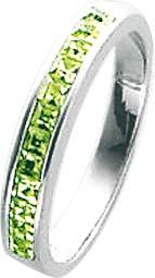 Silberring. Ring aus echtem Silber Sterlingsilber 925/-, rhodiniert im Weißgoldbrillantlook mit 18 wunderschön funkelnden grünen Zirkonia mit gleichbleibender Ringschiene im absoluten Topdesign. Ringkopfbreite ca. 2,00 mm, Breite ca. 3,80 mm, Stärke ca. 1